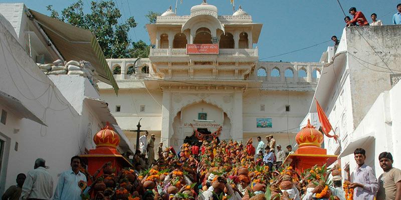 brahma-o-deus-da-criacao-hinduismo-trimurti-india-mantra-nosso-blog-4.jpg